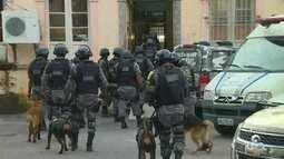 Após tumulto de presos, cadeia Vidal Pessoa em Manaus passa por revista