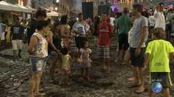 Fanfarras e bandas animam os foliões no Pelourinho, em Salvador