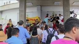 Aumento de tarifa de ônibus causa tumulto na Câmara de Manaus