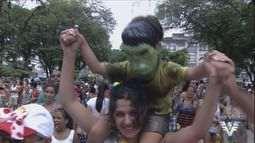 Carnabonde agita ruas de Santos