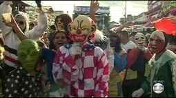 Festa dos papangus em Bezerros atrai turistas para o Agreste de PE