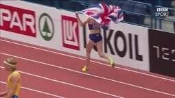 Atleta britânica é impedida de dar volta olímpica, mas fura bloqueio e faz festa