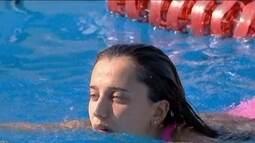 Nadadora Larissa Oliveira segue internada após ter carro atingido por árvore