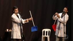 Oficina para fazer instrumentos musicais é realizada em Resende, RJ