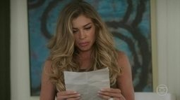 Luciane descobre carta de Carmem