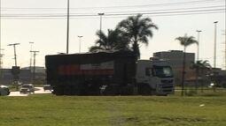 Moradores de Samambaia reclamam de caminhões de lixo