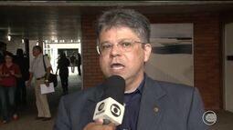 Governo cria fundação hospitalar em plena crise e gera polêmica