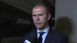 Milton Mendes considera expulsão de Luís Fabiano injusta