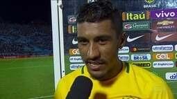 Paulinho faz três contra o Uruguai e pede música no Fantástico