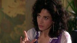 Dona Flaviana diz que Giovanni foi exagerado com presente