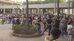 Cubatão é palco de novos protestos de servidores
