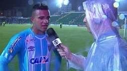 Romulo comenta jogada que resultou no gol do Avaí