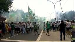 Com apoio da torcida, Palmeiras busca virada contra a Ponte
