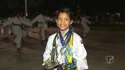 Carateca santarena de 11 anos se prepara para participar de competição nacional