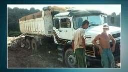 PM Ambiental prende duas pessoas e apreende caminhão de lixo em aterro clandestino