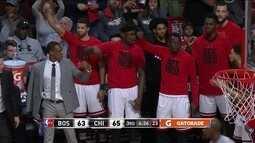 3º quarto - Chicago chega junto e passa Boston com Robin Lopez 63 x 65
