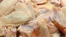 Carne de frango tem queda no preço devido à desvalorização do dólar