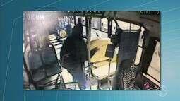 Vídeos mostram flagrantes de furtos em ônibus de Resende, RJ
