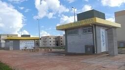 Construídos há 3 meses, quiosques do Paranoá Parque estão depredados