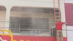 Incêndio mobiliza bombeiros nesta sexta-feira, 5, em Vilhena, RO