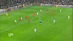 Top 10 Golaços na Liga dos Campeões da Uefa: Tosun (Besiktas)