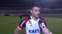 Apesar do susto, Ederson comemora volta ao time titular do Flamengo