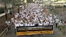 Caminhada pela Paz alerta para a importância de um trânsito seguro, em Goiânia