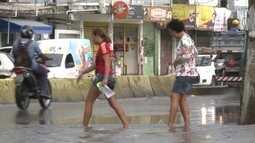 Chuva causa transtornos e deixa em alerta moradores do Grande Recife