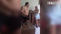 Homem é flagrado agredindo idosa