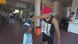 De férias, Flávio Caça-Rato veio ao Recife conhecer o Mercado da Encruzilhada