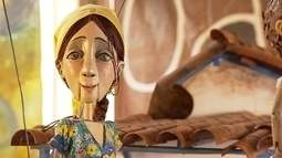 Artistas que se dedicam a criar marionetes dão vida a diversos personagens