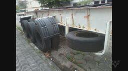 Moradores reclamam de estacionamento irregular de caminhões em São Vicente