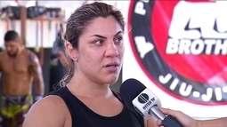 Bethe Correia e Holly Holm se preparam para o UFC Singapura