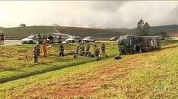 Ônibus com homens da Força Nacional tomba na estrada