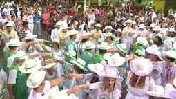 Festas juninas animam visitantes e ajudam a movimentar comércio na Feira de São Cristóvão