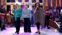 Divinas Divas cantam 'Non, Je Ne Regrette Rien'