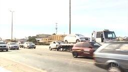 Seis carros se envolvem em engavetamento no Anel Rodoviário de Belo Horizonte