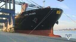 Maior navio a operar no Porto de Santos atraca nesta quarta-feira
