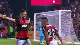 Flamengo faz 2 a 0 no Santos e fica em vantagem na Copa do Brasil