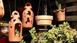 Artesão de Ipatinha, MG, transforma argila em arte