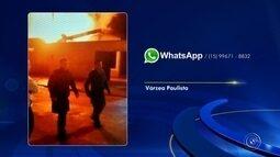 Incêndio destrói parte do telhado de uma casa em Várzea Paulista