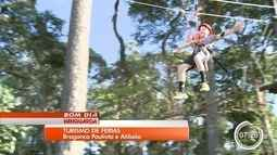 Hotéis e acampamento investem em colônia de férias na região bragantina