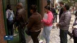 Pesquisa do IBGE mostra que quase 1 milhão de pessoas estão desempregadas na capital