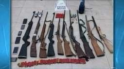 Quadrilha suspeita de crimes é presa com armas e rádios comunicadores em Buritizeiro