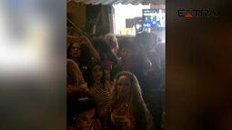 Anitta grava clipe no morro do vidigal