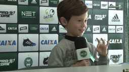 Nação Coxa Branca - Lorenzo perdeu o aparelho auditivo e ganhou outro dos jogadores