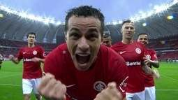 Os gols de Internacional 3 x 0 Figueirense pela 24ª rodada da Série B