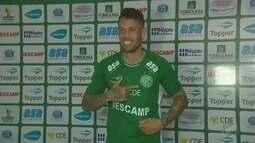 Meio de campo Baraka é apresentado como novo jogador do Guarani
