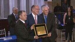 Governador Geraldo Alckmin recebe o título de cidadão vargengrandense