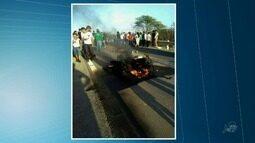 Motociclista morre após ser atingido por reboque na BR-222